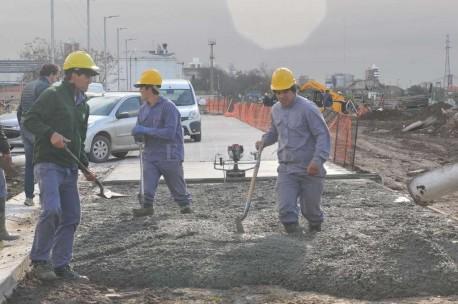 Continuamos los trabajos de pavimentación en el Dique 2.