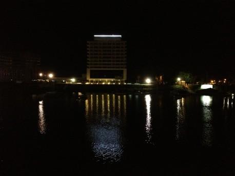Puerto Amarras: La luz del dique 2