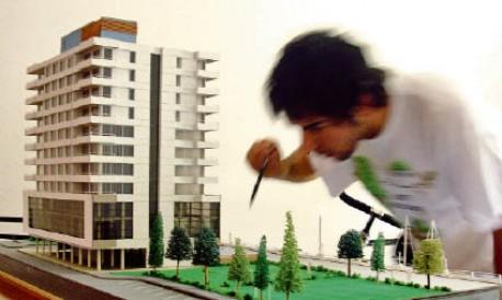 Articulo de la Revista Nosotros - ''Entre maquetas y rascacielos''