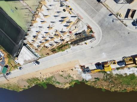 Continúa la construcción de los Amenities de Amarras Center